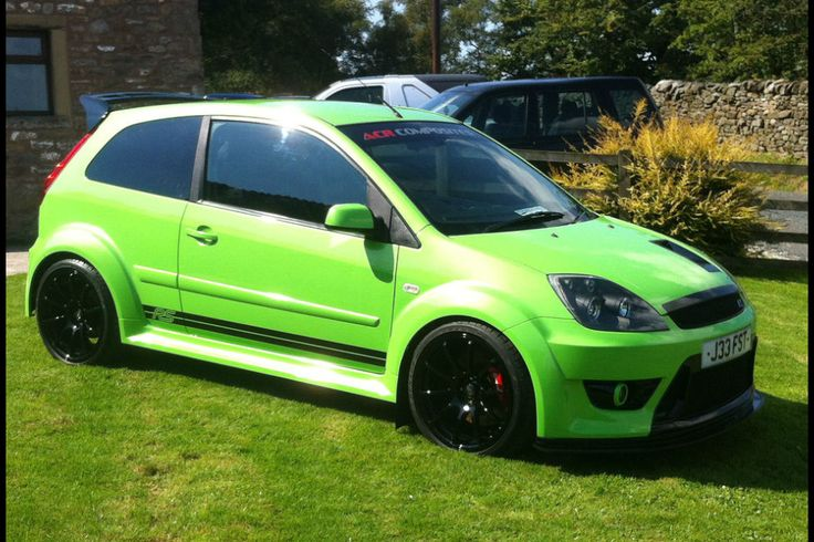 Fiesta ST cosworth supercharged, 325 bhp
