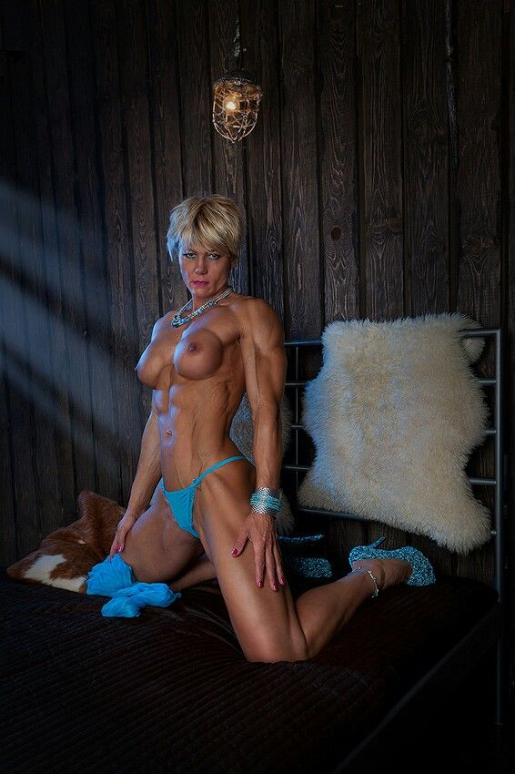Mature muscle girls nude