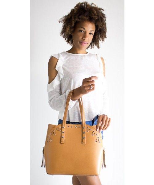 Borsa in pelle disponibile in diversi colori, portabilità sia a spalla che a tracolla.