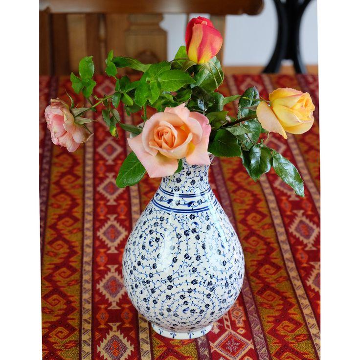 Vase en céramique d'Iznik Hava, par KaravaneSerail #izniks #potery# #porcelain #handmade