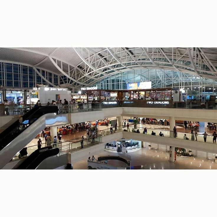 Photo by : @punapibali  Ngurah Rai International airport is now open. Make sure you already have any tickets before you go to the airport due to the crowd of the airport. Safety first!