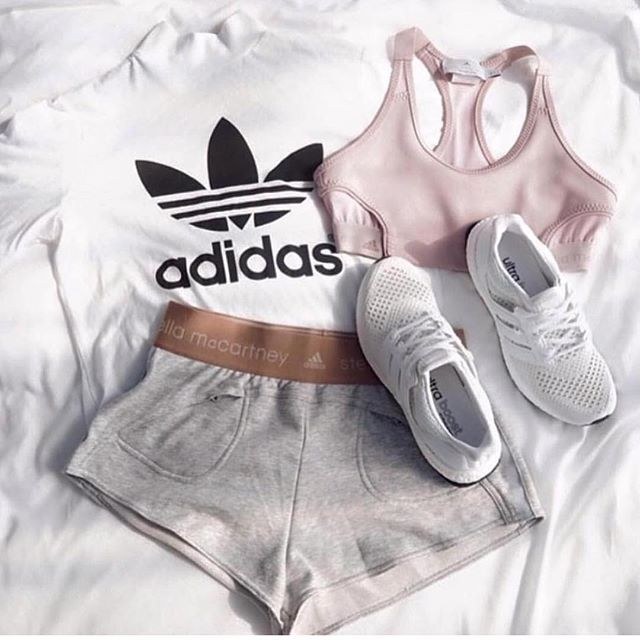 """Pin for Later: 30 Times Kayla Itsines's White Shoe Obsession Captivated Us When she said """"my style"""" and we all knew what she was REALLY referring to"""