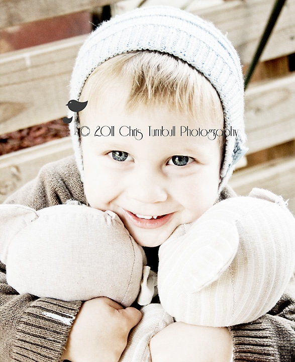 this is seth another gorgeous little cherub who i have had the delight in photographing along with his siblings logan and audrey and of course mum and dad ♥ www.christurnbullphotography.com