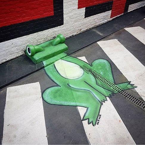 """Oak Oak, """"The green frog in Brussels"""", Belgium, 2017"""