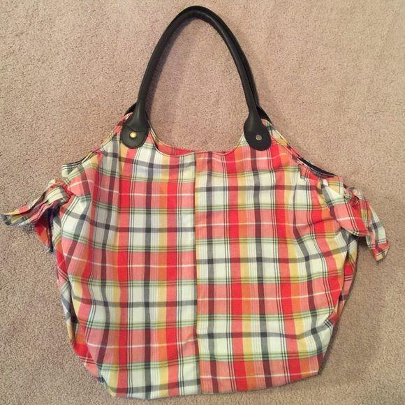 Gap handbag Gap handbag, blue color inside, summer, hobo, sun, beach, picnic, comfort, chic, plaid GAP Bags