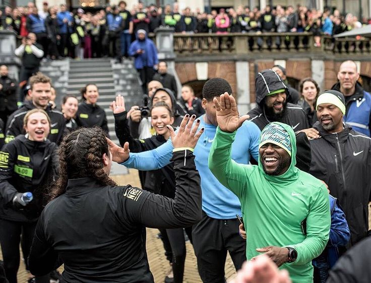 Don't be a one-run wonder.  Kevin Hart has the world at his feet and he's taking it on with the Nike Run Club.  Get a running start at becoming a better runner: nike.com/nrc. The link is in our bio.  #NRC #MoveWithHart by nikerunning
