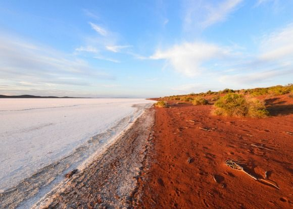 Lake Gairdner, South Australia, Australia.Photo: Alamy