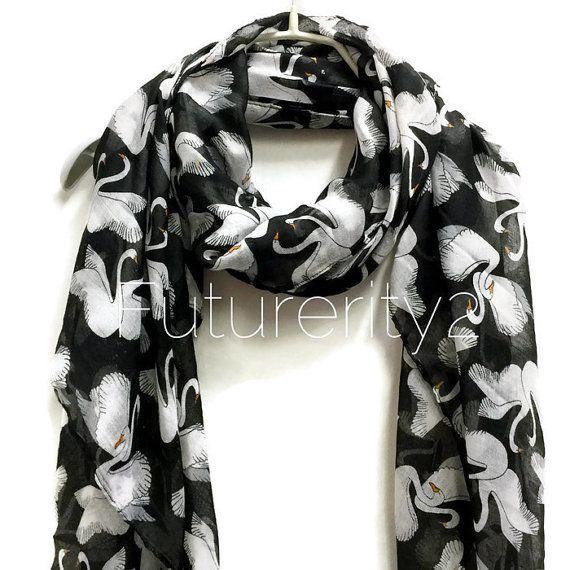 White Swan zwarte sjaal / lente zomer sjaal / herfst sjaal / giften voor haar / accessoires / vrouwen svarves