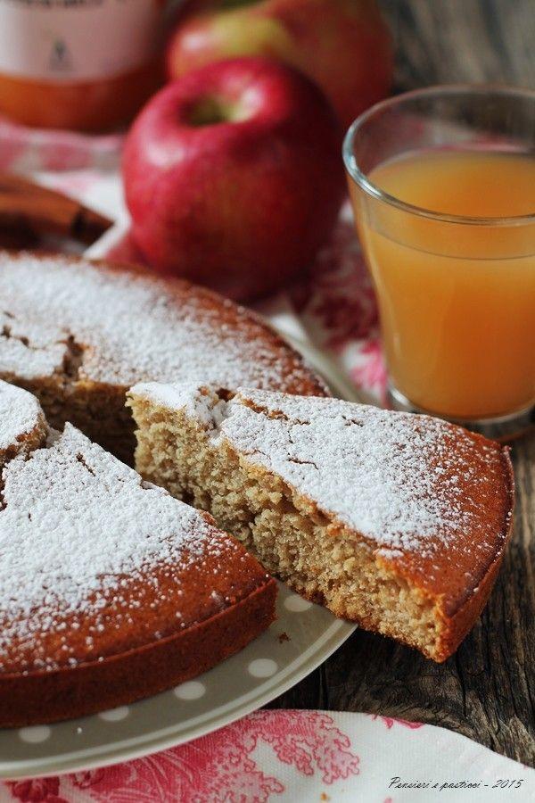 Torta soffice al succo di mela al profumo di spezie   pensieri e pasticci