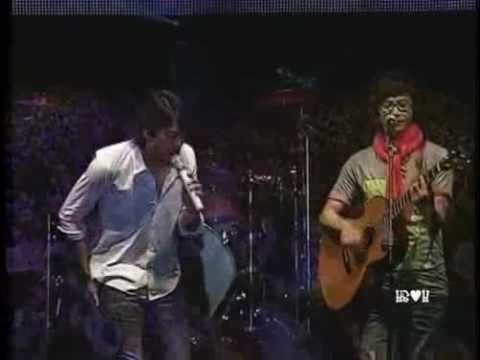 "Park Hyo Shin & Park Hak Ki perform ""You've Got a Friend"" (James Taylor /Carole King) in 2009."