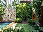 Casa na Bahia encanta com lounge ao ar livre e cozinha gourmet. Fotos da revista Arquitetura & Construção.