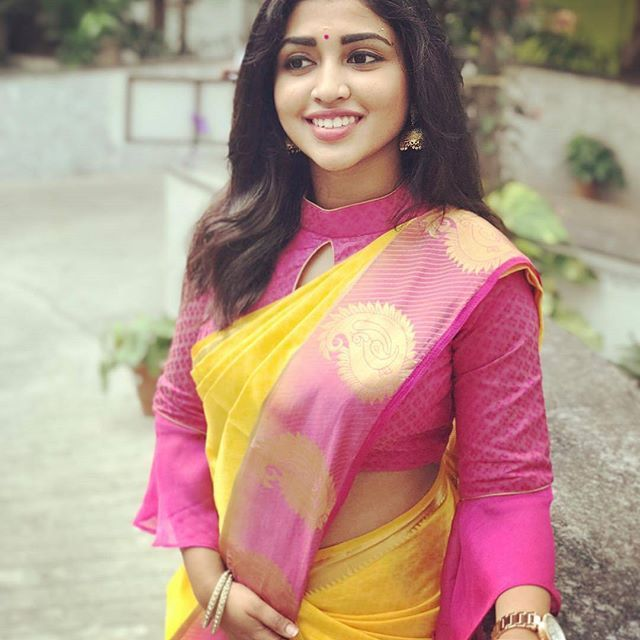 Looking party wear saree blouse designs? Here is 25+ latest blouse models that are too good to wear with any party wear drapes.