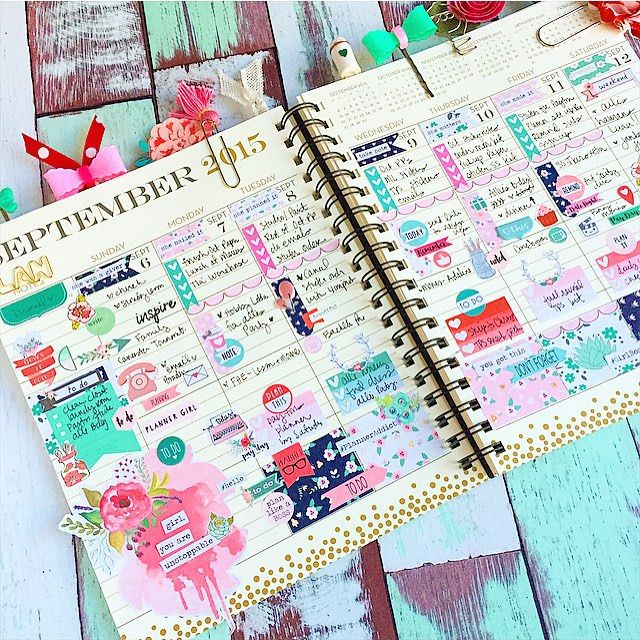 theplannersociety: Still using my @papersource planner for my weekly view layout. AND Still absolutely loving the vertical spread!!!