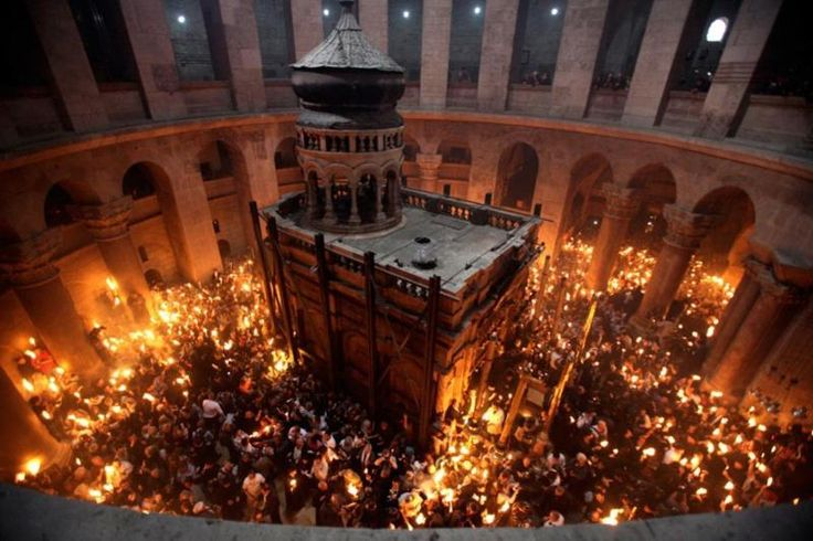Orthodox Easter 2015: Holy Fire miracle celebrated in Jerusalem