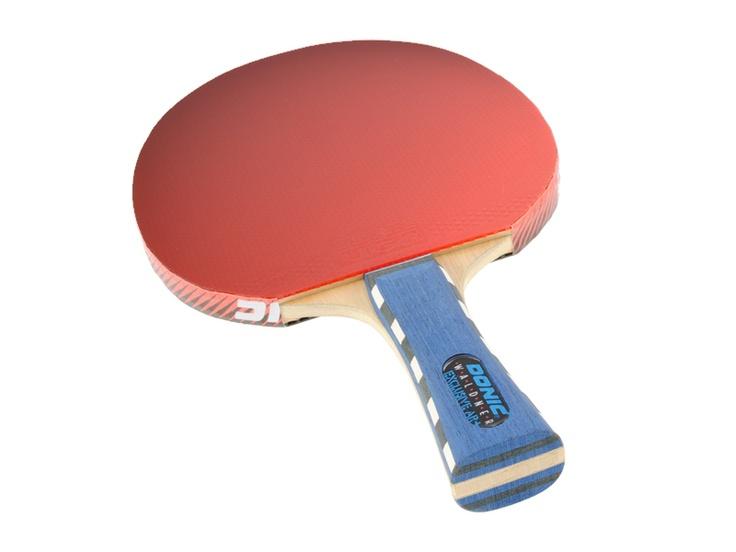 Tischtennisschläger Donic Waldner Exclusive AR+ mit Ligabelägen. Selbstgeklebt und notwendigerweise selbst im Lichtzelt mit einer Nikon D3000 abfotografiert. Der Schläger ist unter dem Link im Detail zu betrachten: http://www.tischtennisplatte-24.com/products/de/Wettkampf-Tischtennisplatten/Profi-Tischtennisschlaeger-Donic-Waldner-Exclusive-AR.html