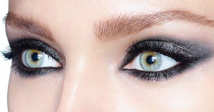 Create the ultimate smoky eye with @ctilburymakeup's Cat Eyes sets. #NETABeauty