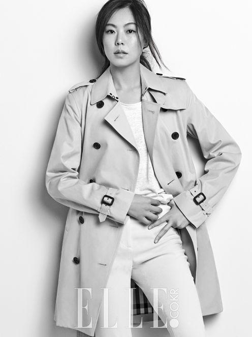 Kim Min Hee luciendo glamurosa y chic en prendas Burberry para la revista Elle…