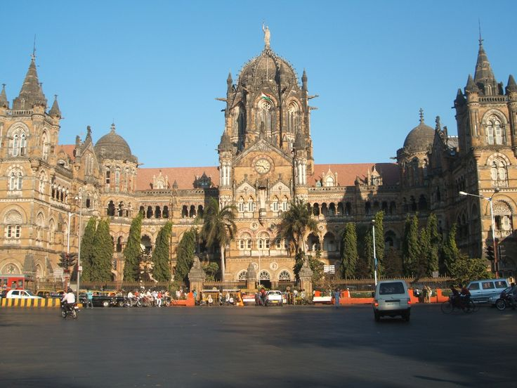 The #ChhatrapatiShivajiTerminus, formerly known as Victoria Terminus Station, in #Mumbai, is an outstanding example of Victorian Gothic Revival architecture in India, blended with themes deriving from Indian traditional architecture. #cst #attractions #tourism
