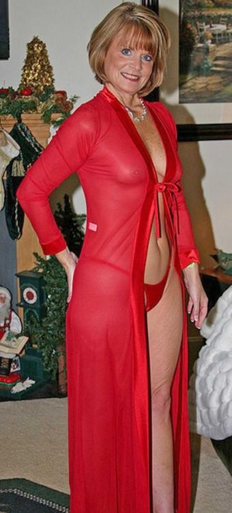 Sissy Adores Older Women In Red  Sexy Mature Woman -1795