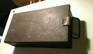 VINTAGE-ARMY-FIRST-AID-METAL-BOX