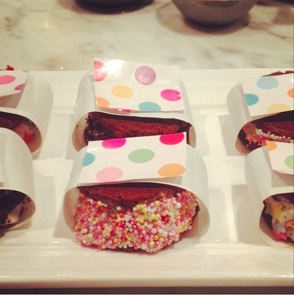 Sprinkle Dinkle Ice-Cream Sandwiches. Find the recipe on www.thepartybebe.com.