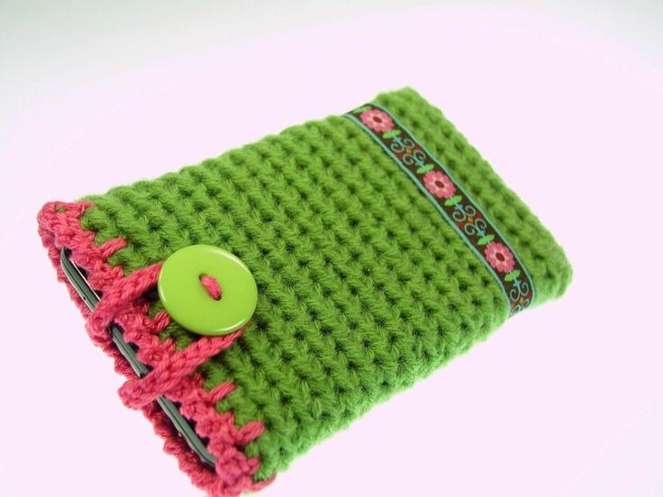 Gehäkelte Handytasche in grün und pink mit Webband  verziert.     Ideal für die großen Smartphones IPhone, Samsung Galaxy SII, SIII mini, HTC usw. ...♥