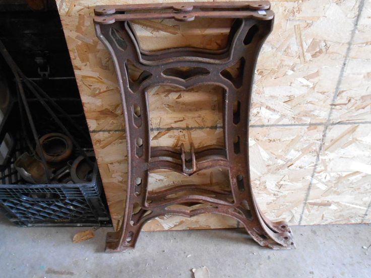 Vintage industrial antique machine cast iron table bench for Iron cast table legs