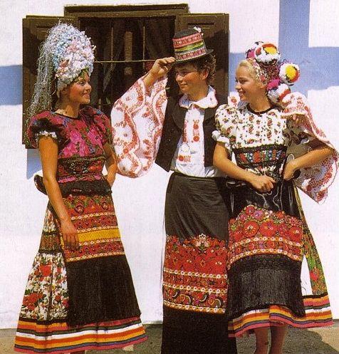 Matyo costumes, Hungary /matyó népviselet