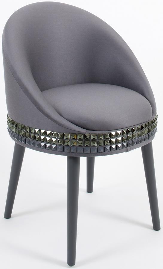 Cadeira Salon, por Lee Broom. O visual moderno tirou inspirações da moda, do punk e do mobiliário dos anos 1930.  http://blog.arkpad.com.br/?p=2700