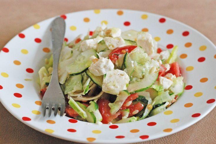 Fotorecept: Zeleninový šalát s feta syrom