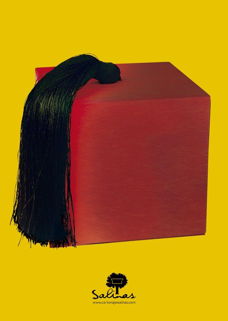 The fez box. www.cartonajessalinas.com
