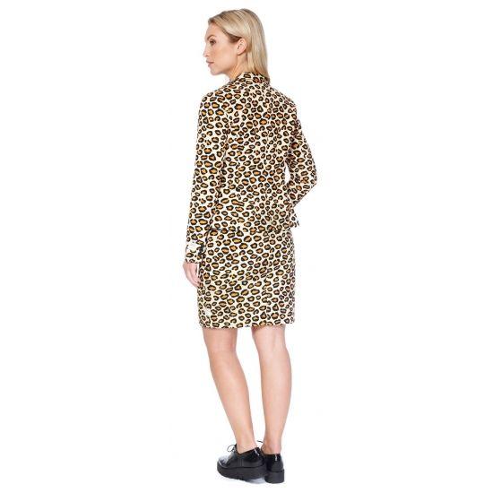 Getailleerd mantelpakje voor dames met een all-over luipaard print. Het mantelpakje bestaat uit een gevoerde blazer en een rok met elastiek in de taille voor een optimale pasvorm en een rits op de achterzijde. Zowel de blazer als rok hebben een split aan de achterzijde. Materiaal: 100% hoogwaardig polyester. Voor de modebewuste kantoortijger.