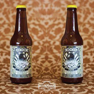 Para los sedientos de más nuestra #Moonshine estilo Witbier #piensaindependiente #tomaartesanal #cervezabogotana #cervezasmoonshine #cervezacolombiana #craftbeer #bogota