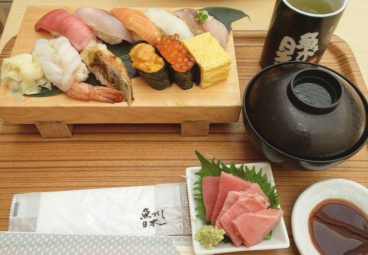 Sushi Frenzy #tgif#sushi#set#fatty#tuna#toro#uni#seaurchin#maguro#salmon#anago#eel#ikura#tamago#prawn#misosoup#greentea#healthy#protein#lunch#ideas#happytummy#instafood by evehalim