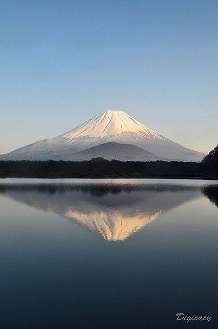 逆さ富士 / Sakasa Fuji – #fuji #Sakasa #逆…