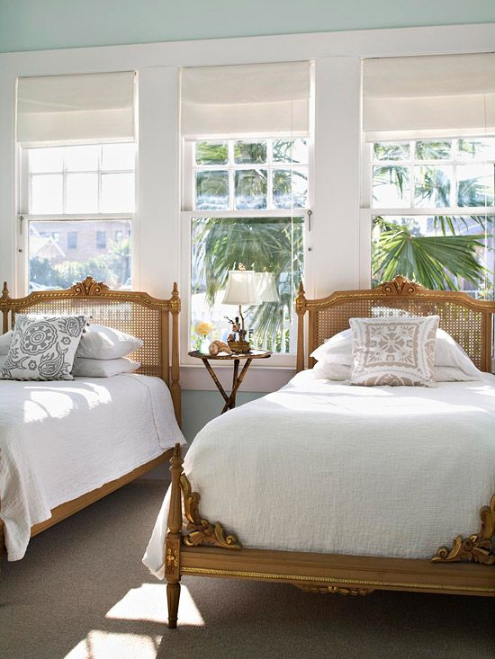 Avoid over decorating the guest bedroom. You want it to be comfortable and welcoming but not so full of decorative objects and furniture that guests have no place to put their things. Leave room to make this their home for the duration of their stay. If you have only one guest room, choose twin beds over a double or queen-size bed; that way friends, children, or couples can occupy the room comfortably. A shared table serves both beds as a place for an alarm clock and personal items.