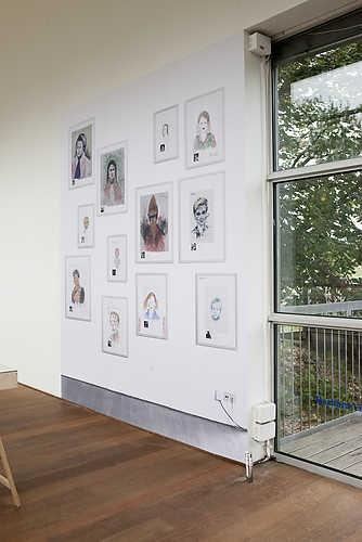 Barbara Visser, Portret van de kunstenaar, Wallpaper #2 (1992-2006). © Jordi Huisman, Museum De Paviljoens