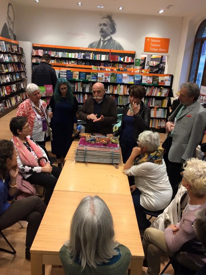 Feltrinelli presentazione #libro #Fiberart a #Veronatessile