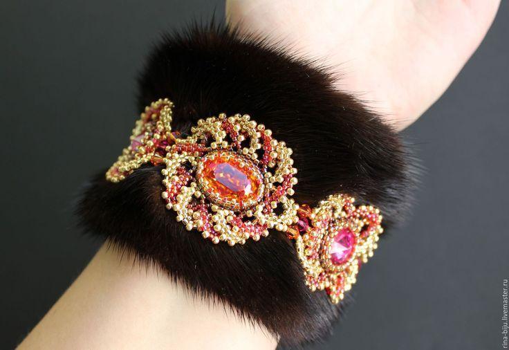 """Купить Комплект """"Аленький цветочек"""". - комплект украшений, мех натуральный, серьги, браслет, бисер японский"""