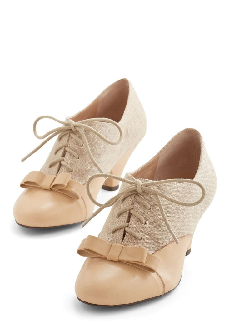 A Sheen Sweep Heel in Beige - Mid, Leather, Woven, Tan, Solid