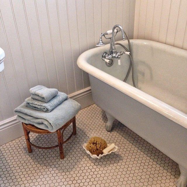 Vintage Clawfoot Tub Is Finally In Via Pixelizah On