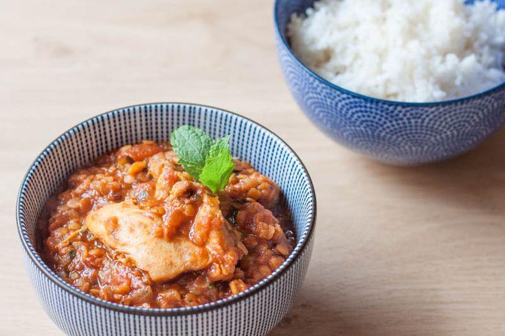 Soms zoek je troost in je eten. Deze Rode Linzen Kip Curry is zo'n gerecht dat je op dat moment wilt. Warm, kruidig en vullend. Mijn ultieme comfort food.