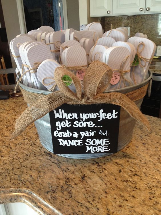Flip flop favors for your wedding guests so they can dance all night long and no…