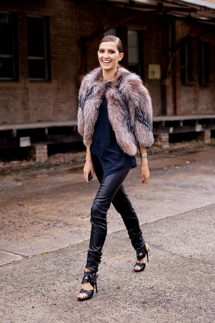 #KateWaterhouse having a furry fab moment in Sydney.
