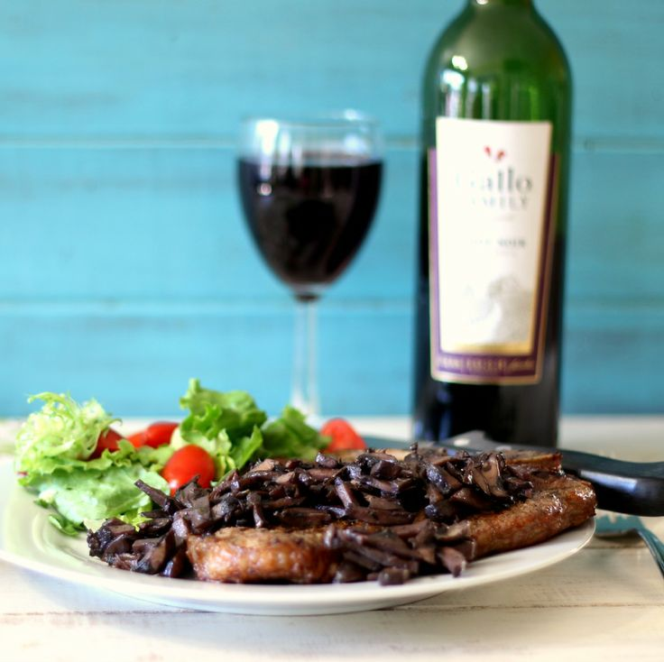 Pinot Noir Mushroom Reduction Sauce with T-Bone Steak #SundaySupper - Grilled t-bone steak topped with a savory mushroom reduction sauce that has been cooked in Pinot Noir Wine.