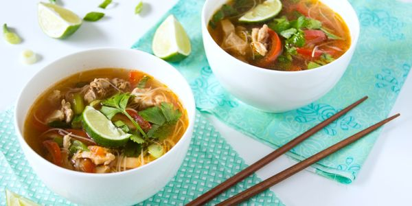 Pittige Thaise bouillon voor een slanke lijn/ Healthy Spicy Thai Broth Soup - Margriet (recipe is in Dutch)