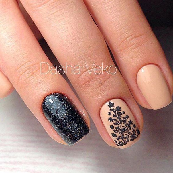 Pink and black elegant simple Christmas tree nails