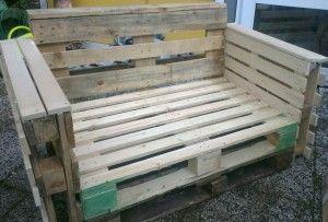zelfgemaakte bank met pallets. bench made with pallet