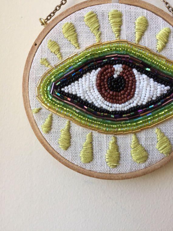 Cuentas de mal de ojo con rayas verdes por TessaPerlowInc en Etsy