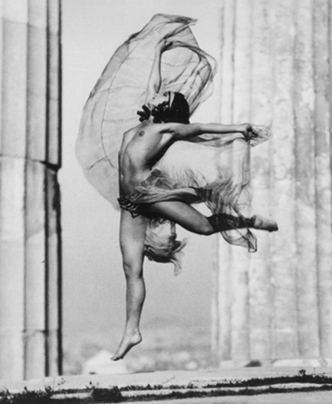Hungarian dancer Nikolska, photographed by Elli Seraïdari (Nelly), at the Parthenon in 1929